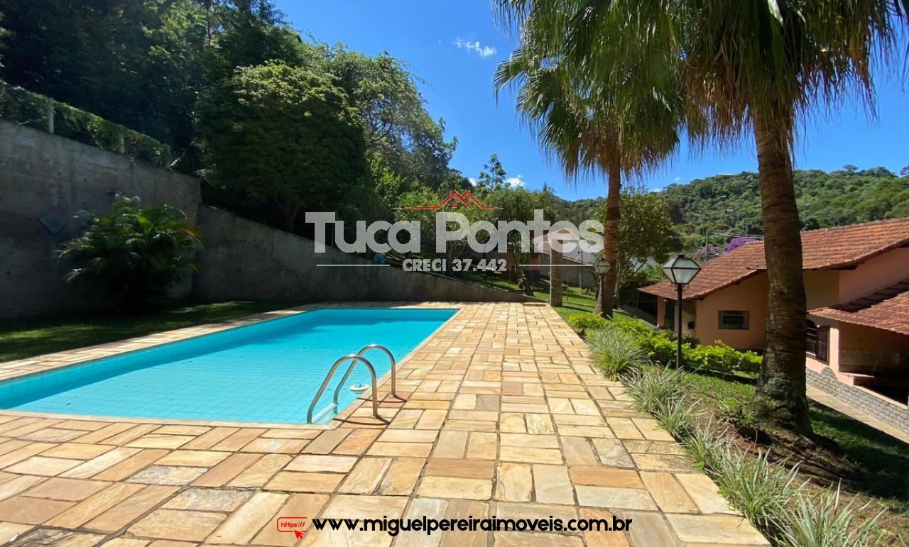 Só entrar e morar - Casa com piscina e belo espaço gourmet | Código:C61