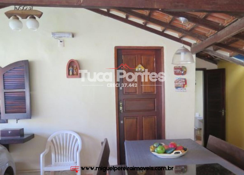 Casa pequena e bem conservada - Piscina e terreno plano. | Código:C82